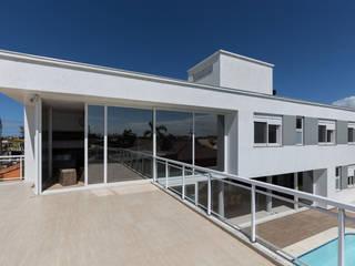 Modern houses by 151 office Arquitetura LTDA Modern