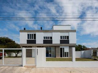 Houses by 151 office Arquitetura LTDA, Modern