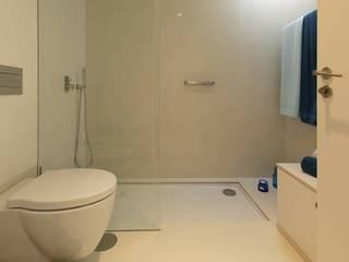 Zona de duche: Casas unifamilares  por Padimat Design+Technic