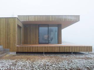 Casas modernas de Backraum Architektur Moderno
