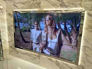 Luxury Digital Signage RETAIL available WorldWide de OmniaVideo España Moderno