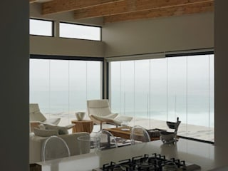 Brenton on Sea by Sergio Nunes Architects Scandinavian