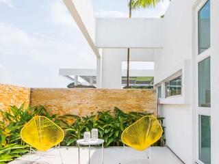Hiên, sân thượng phong cách hiện đại bởi David Macias Arquitectura & Urbanismo Hiện đại