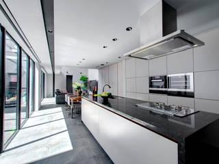 Kitchen by TERAJIMA ARCHITECTS, Modern