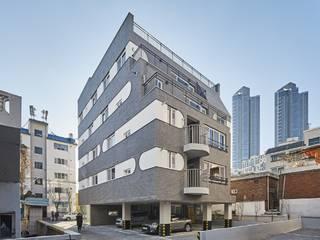 심곡동 상가 주택  VILLA. G: 이이케이 건축사사무소의 현대 ,모던