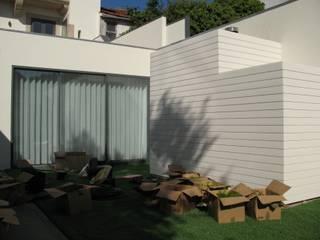 Jardim Vertical - Moradia Unifamiliar: Jardins modernos por Pedro Parente Vasconcelos - Arquitetura Paisagista