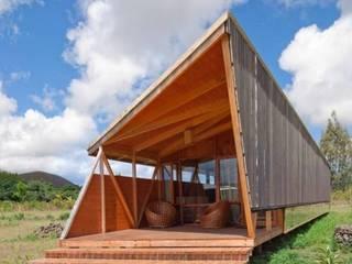 lofts y chalets para cualquier ambiente externo : Hoteles de estilo  por CHALETS Y LOFTS JK