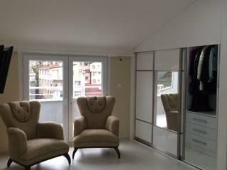 Minimalist dressing room by rwiçmimari Minimalist