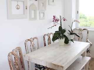 Sala da pranzo in stile in stile Rustico di alma portuguesa