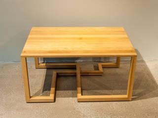 Este Mimarlık Tasarım Uygulama San. ve Tic. Ltd. Şti. – Masif Meşe Mobilyalar: modern tarz Oturma Odası