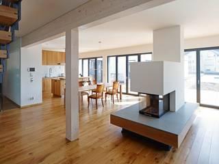 Wohnraum:  Wohnzimmer von Architekten BDA Naujack Rind Hof