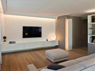 Residenza Privata a Trento: Soggiorno in stile  di iarchitects