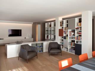 Residenza Privata a Trento: Soggiorno in stile in stile Moderno di iarchitects