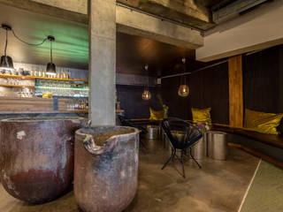 Hotelbar Ausgefallene Bars & Clubs von RÄUME + BAUTEN Ausgefallen