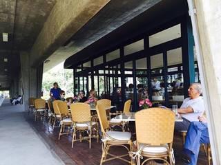 Horse Bar: Terraços  por VD ARQUITETURA,Campestre