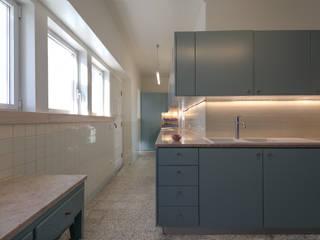 Cozinha:   por Helena Botelho Arquitectura