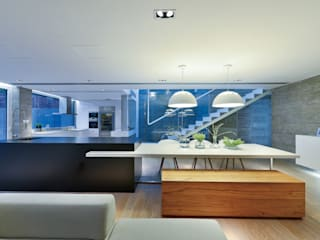House in Shatin :  Dining room by Millimeter Interior Design Limited, Modern