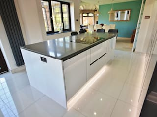 Rayleigh, Essex Modern style kitchen by Kitchencraft Modern