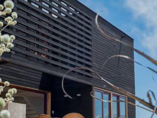 terraza principal: Casas de estilo rústico por Thomas Löwenstein arquitecto