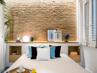 Urban beach home: Dormitorios de estilo  de Egue y Seta