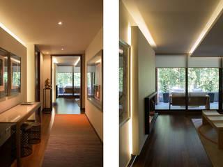 Corridor & hallway by Thomas Löwenstein arquitecto,