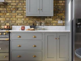 The SW12 Kitchen by deVOL deVOL Kitchens KitchenCabinets & shelves Wood Grey