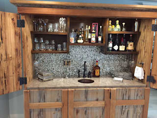 Black Lip Herringbone Bar Backsplash for DMS Interiors ShellShock Designs Sala da pranzo eclettica Piastrelle Nero