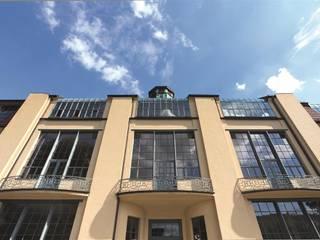SCHOTT RESTOVER® und TIKANA® Bauhaus - Universität Weimar, Deutschland, mit dem Van-de-Velde-Gebäude und Brendelschem Atelier Moderne Schulen von SCHOTT AG Modern
