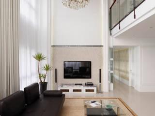 白色的極緻優雅:   by 誼軒室內裝修設計有限公司