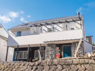 Rumah Gaya Skandinavia Oleh HAPTIC HOUSE Skandinavia
