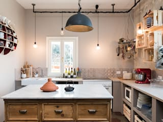Industrial style kitchen by Caterina Raddi Industrial