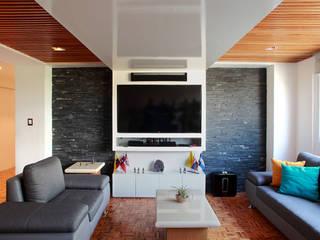 Letrán Valle: Salas de estilo  por All Arquitectura