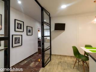 Cocina Cocinas de estilo moderno de Home & Haus   Home Staging & Fotografía Moderno