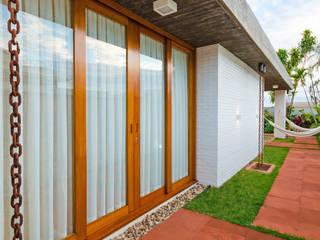 Moderne Häuser von Diego Alcântara - Studio A108 Arquitetura e Urbanismo Modern