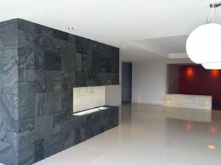 Departamento Fuentes de Interlomas Comedores minimalistas de simon&diseño Minimalista