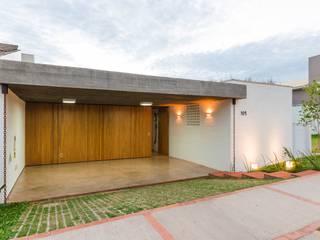 Modern Houses by Diego Alcântara - Studio A108 Arquitetura e Urbanismo Modern