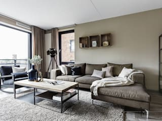 Salas / recibidores de estilo  por Marion van Vliet Interieurontwerp