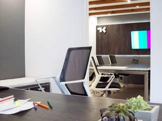 Oficinas Estudio TK Estudios y oficinas modernos de TORRETTA KESSLER Arquitectos Moderno