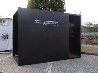 Miguel Zarcos Palma 活動場地 複合木地板 Black