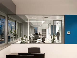 DIERRE_Headquarter 2015 Complesso d'uffici moderni di tIPS ARCHITECTS Moderno