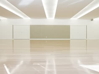 LE CLASS_Dancing school_ 2012 Scuole in stile minimalista di tIPS ARCHITECTS Minimalista