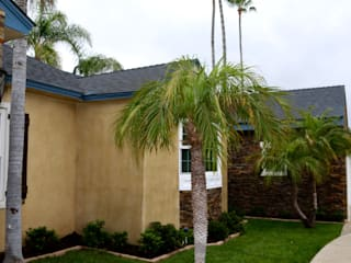 Tropical style houses by Procoat Painting Tropical