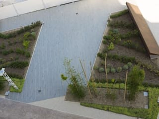 Giardino pensile: Giardino in stile  di  landscapeABC studio garden design