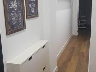 Reforma de piso en granada para alquilar Pasillos, vestíbulos y escaleras de estilo moderno de Coreal reformas e interiorismo Moderno