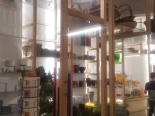 Reforma de local para floristeria Oficinas y tiendas de estilo moderno de Coreal reformas e interiorismo Moderno