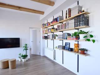 Librería: Salones de estilo moderno de Ondo Interiorismo