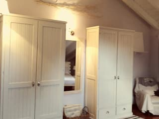 Decorazioni d'interni Laura Conti Camera da letto in stile scandinavo Legno Bianco