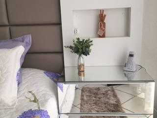 Suíte casal por Up Decor Interiores Moderno