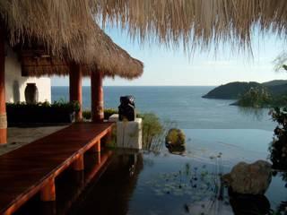 Hôtels tropicaux par Click Diseño y Acabados S.A. de C.V. Tropical