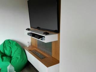 centro de tv con chimenea:  de estilo  por Camargo estudio creativo